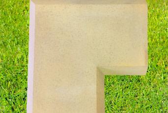 Corner wall coping in Sandstone 13 inch